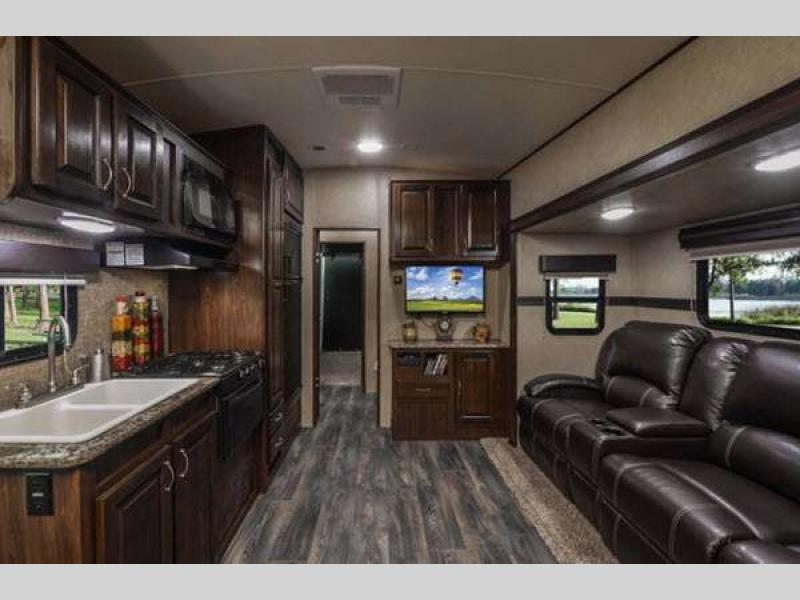 Heartland Torque XLT Toy Hauler Travel Trailer Interior Features